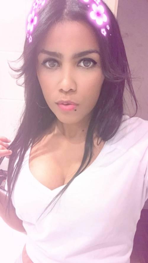 Soy joven cubana de 19años completa guapa fotos reales 100%1