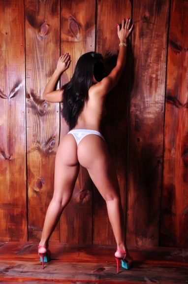 karol dominicana sensual