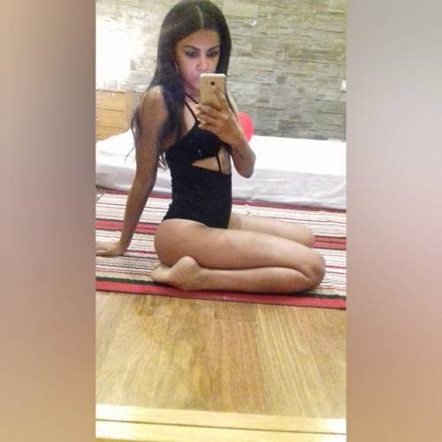 Alessia cubana caliente pura pasion completa para ti