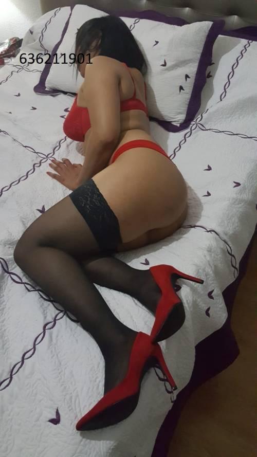 NICOL ENTREGADA BESOS CON LENGUA LAS 24 HRS