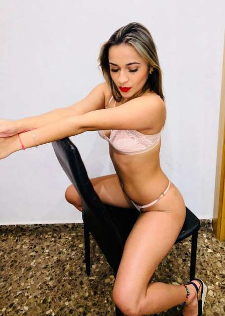 MARTINA FLAQUITA FOLLADORA SAN JOSE