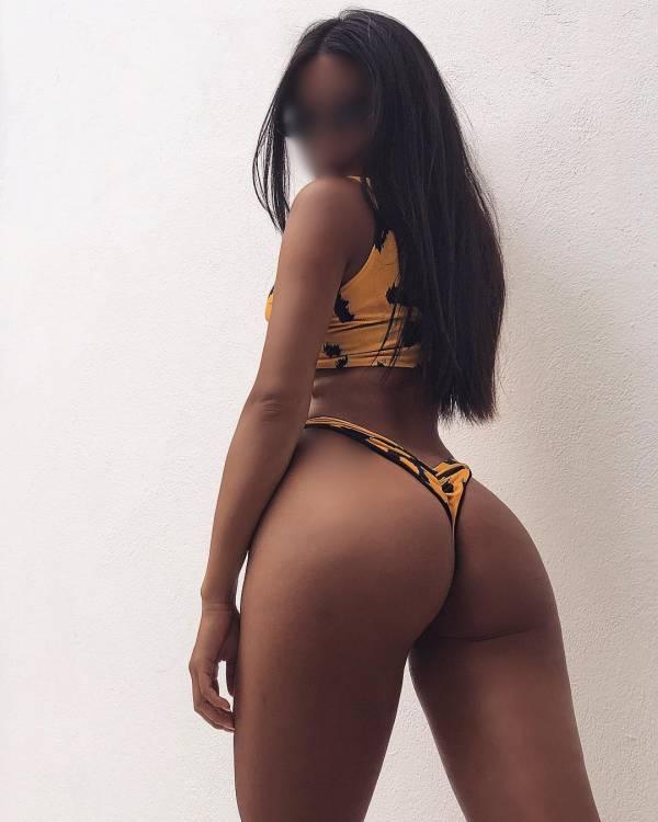 ALINA: SOY UNA JOVENCITA MORENA JAMAICANA 631210117