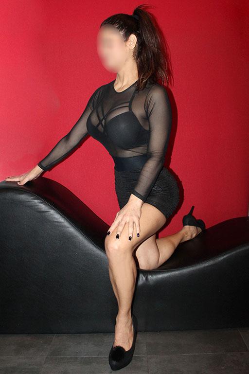 Madurita, experta en masajes eroticos y relax… 653283431