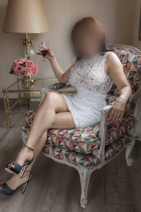 SECRETARIA SEXY CALIENTE CACHONDA COÑO PELUDO 619839215