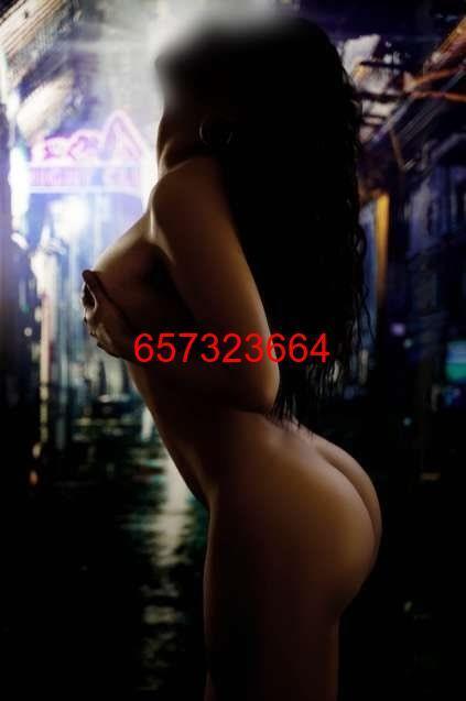 UNA DELGADA DAMA PERVERTIDA Y SENSUAL MUY 657323664
