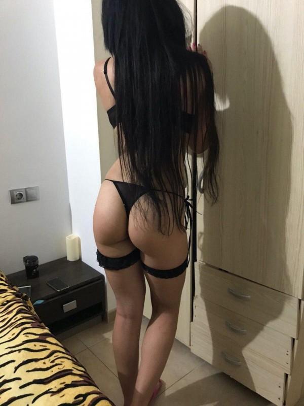 MORENA SEXY , DELICADA , JUGUETONA  Y CARINOSA  602882588