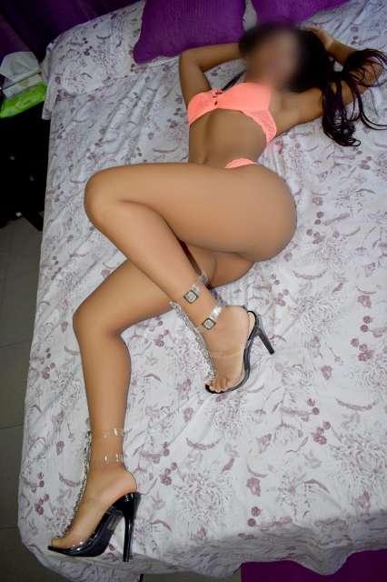 KATY, MORENA, PEQUEÑITA MANEJABLE. 694502783