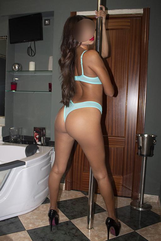 Marta, tu sensual jovencita colombiana, deseosa de
