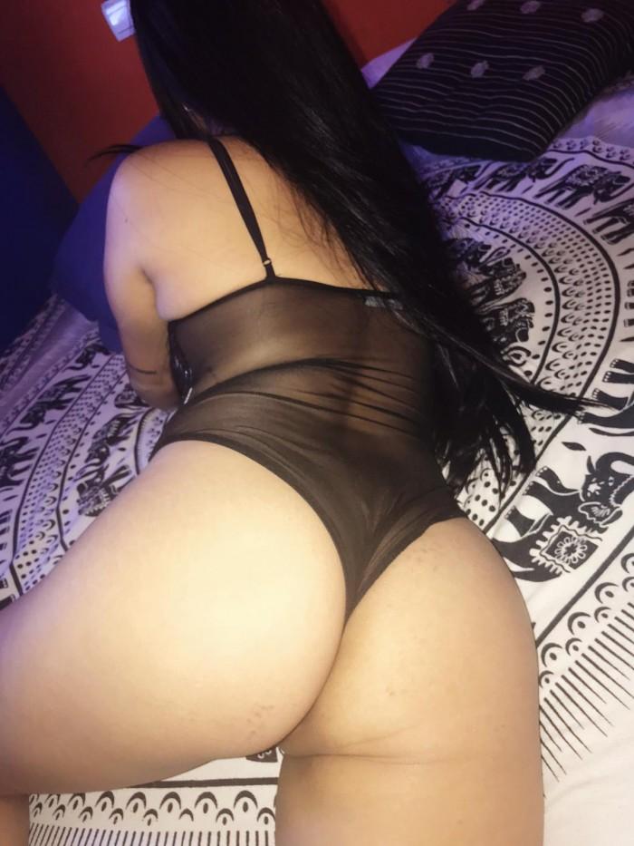 soy una chica latina muy caliente cariñosa