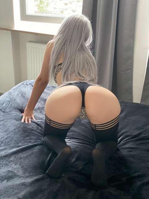 bellisima y masaje erotico candente deseo sexual