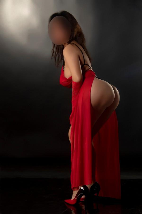 Ana española muy morbosa, 30 años tetona