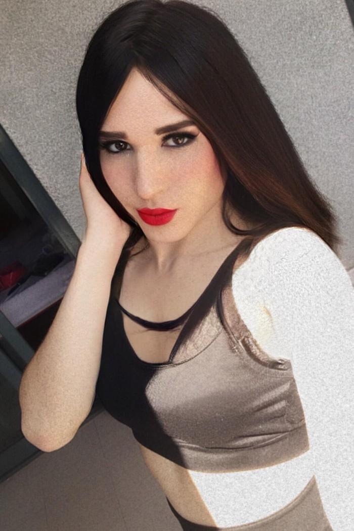 Colombiana viciosa te espera en Top Trans!