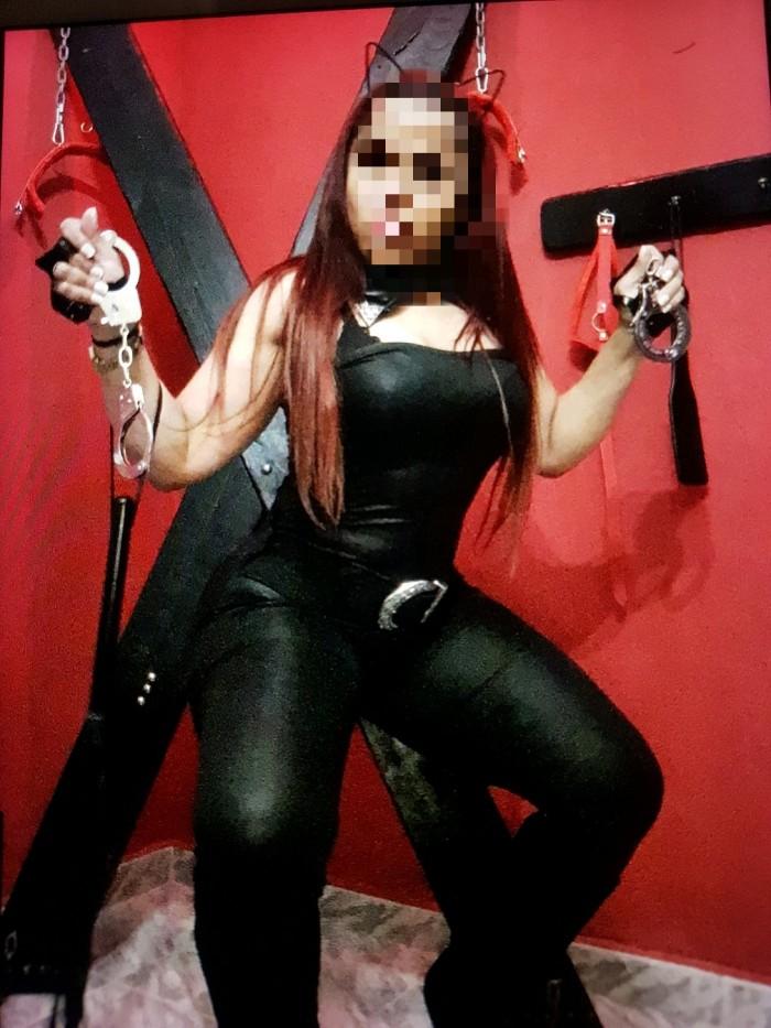 Samantha, dominatrix perversa